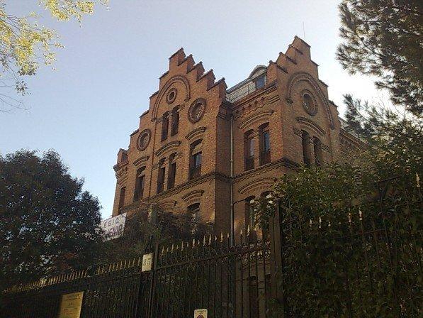 Colegio El Porvenir en Cuatro Caminos