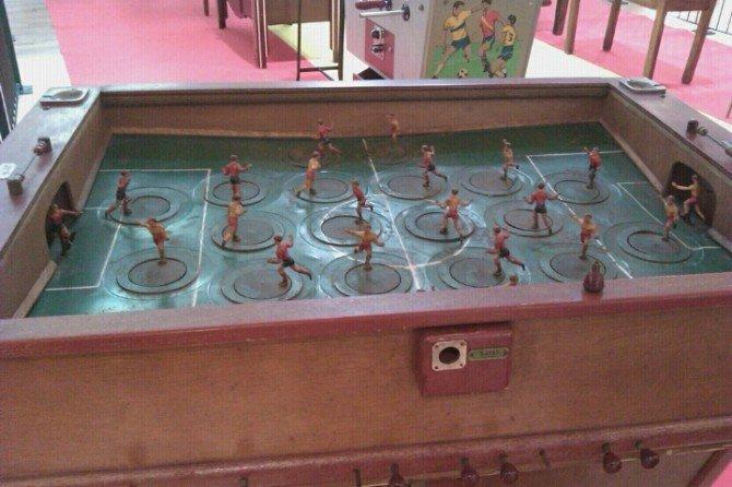 Exposición de futbolínes antiguos en Xanadú