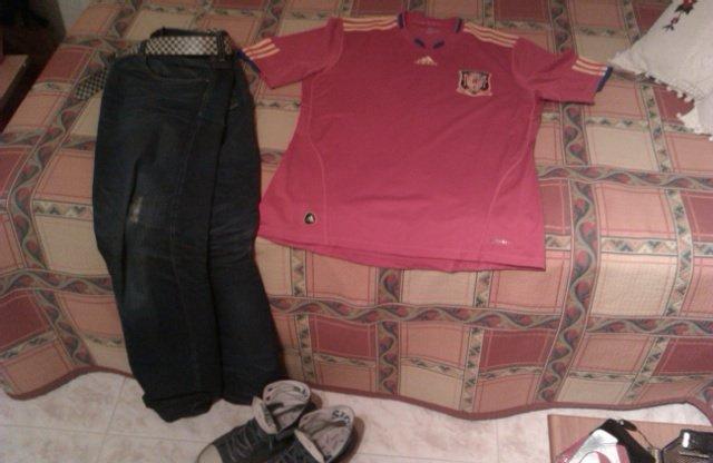 Como los niños buenos, ya tengo mi ropa preparada para ir mañana a la oficina