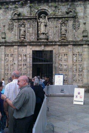 Esperando para abrazar al Santo Santiago #Xacobeo2010