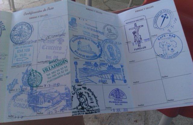 Llevamos ya unos cuantos sellos, 6km para Arzúa #Xacobeo2010