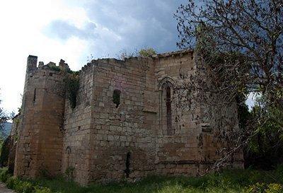 Ruinas del Monasterio de Santa María de Bonaval en Retiendas