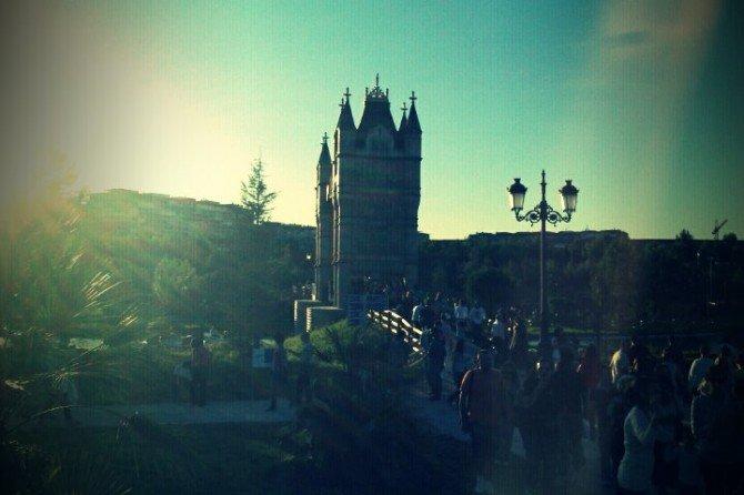 Ahora cruzamos el puente de las torres de Londres