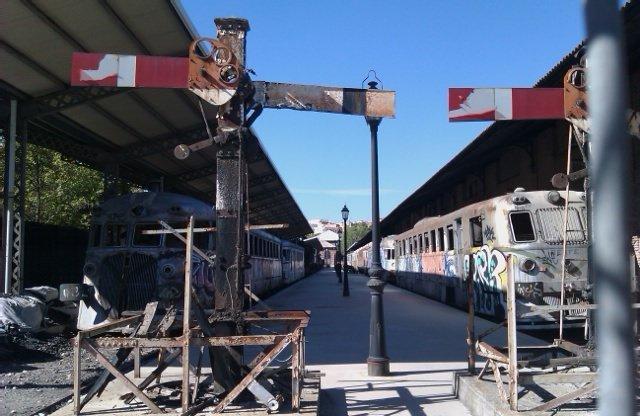 Trenes abandonados en la antigua estación de Delicias
