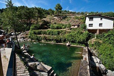 Piscina natural del rio arenal en arenas de san pedro - Cuanto cuesta una piscina de arena ...