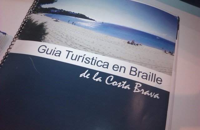 Guia turística en braille de la Costa Brava CC @vslimite