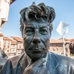 La estatua de Ken Follett de Vitoria