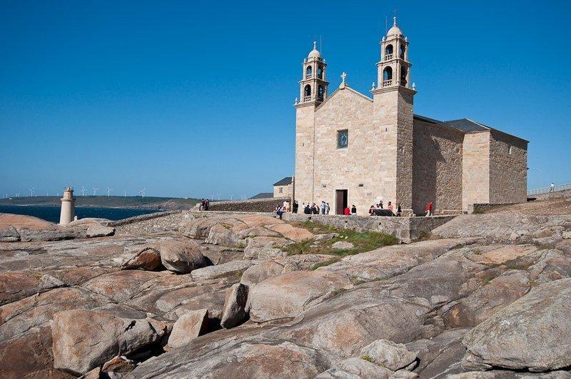 El Santuario de Nuestra Señora de la Barca en Muxía