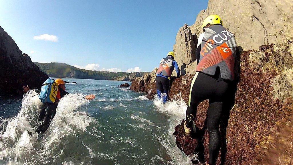 Coasteering en Gorliz