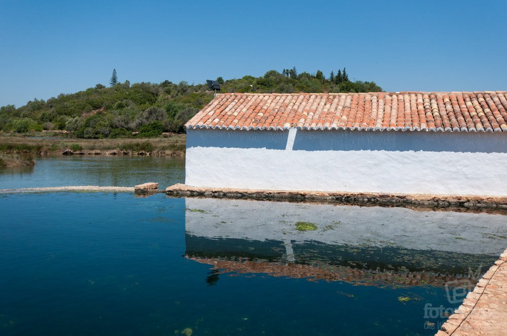 La piscina natural de Sitio das Fontes en Lagoa, Algarve