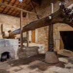 El lagar de varas y la oficina de turismo de Idanha-a-Velha