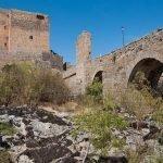 El Puente Medieval sobre el río Tormes en Puente del Congosto, Salamanca