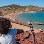 La playa roja de Cavalleria al norte de Menorca