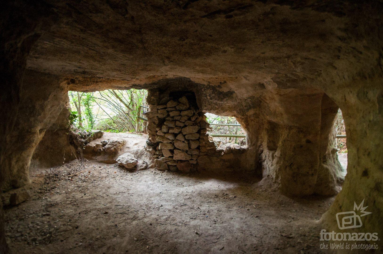 Eremitorio del Arroyo de las Torcas - Cuevas de los Portugueses